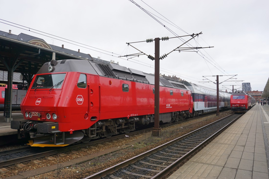 ME1528 and ME1521 at Østerport, 20/03/17 (JW)